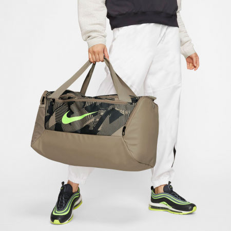 Sportovní dámská taška - Nike BRSLA S DUFF 9.0 AOP SP20 - 11
